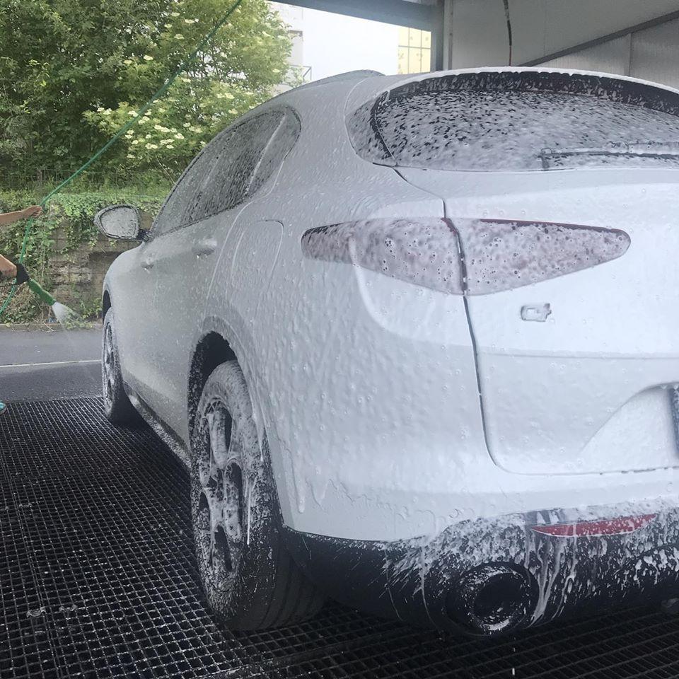 Alfa Romeo Kassel Blauer Elefant Auto waschen